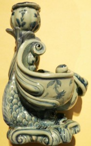 Fig. 13 - Savona blue dolphin table centre with candlestick. Photo Credits: Sheila Forbes