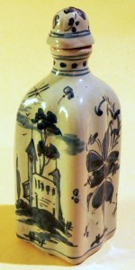 Fig. 14 - Bottle in the blue of savona. Ht 15 cm. Photo Credits: Sheila Forbes