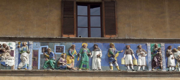 """Santi Buglioni, detail of the frieze on the Loggia of the Ospedale del Ceppo, Pistoia - Credits """"The red list"""" website"""