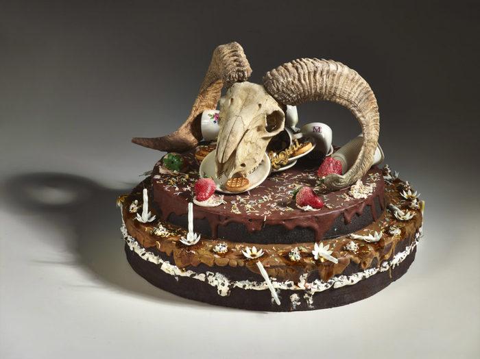 Arte: le ceramiche rifiuto di Bertozzi e Casoni a Massa